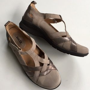 NWOT Earth Brand leather shoes